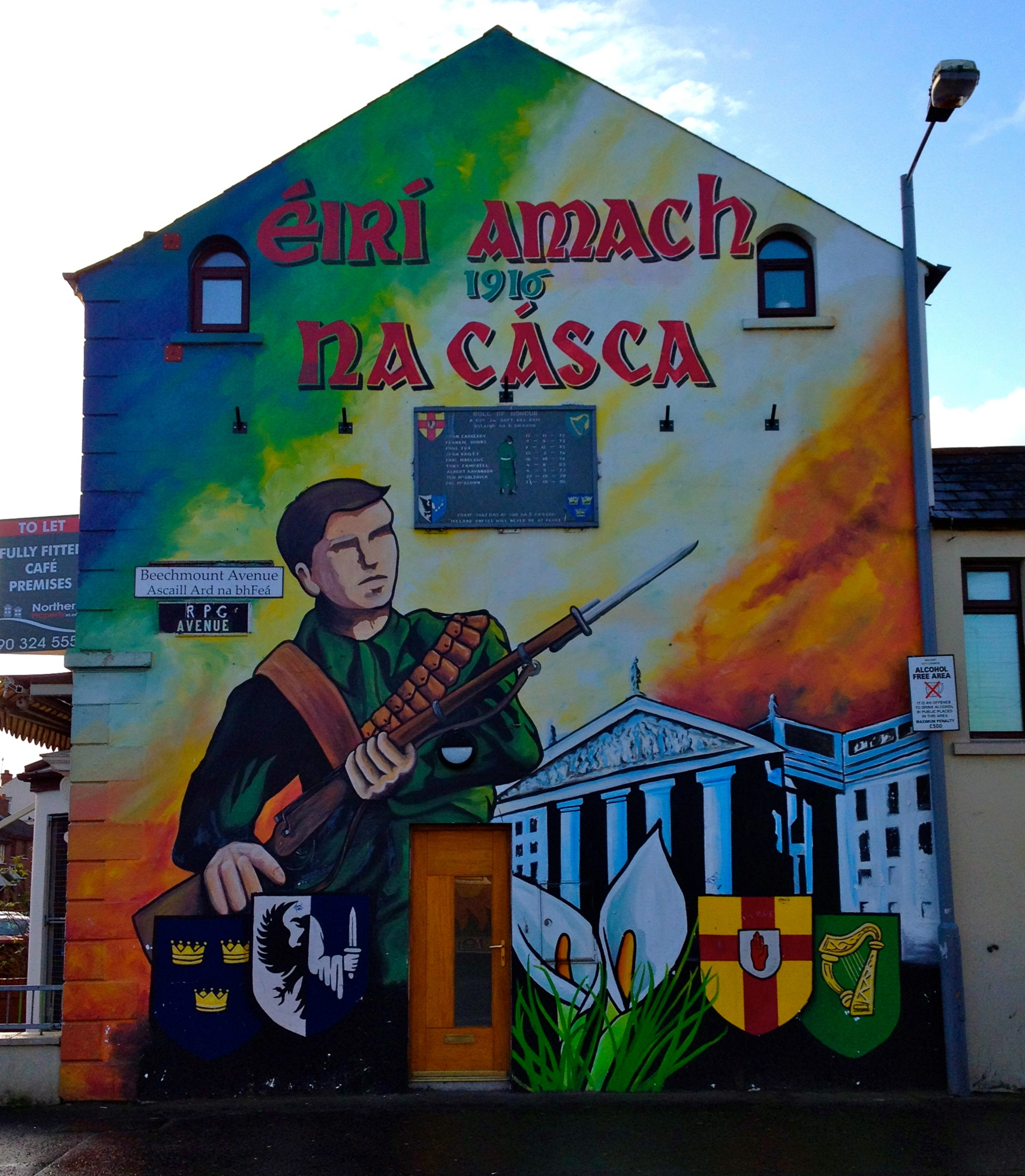 Sightseeing day trips across ireland and northern ireland for Belfast mural tours